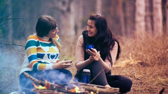 Drinking_camping_coffee_together